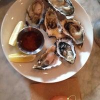 รูปภาพถ่ายที่ Pesce Seafood Bar โดย David H. เมื่อ 10/11/2013