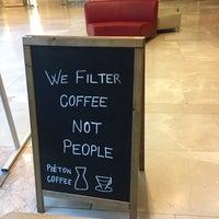 4/25/2017 tarihinde Erdem E.ziyaretçi tarafından Piéton Coffee'de çekilen fotoğraf