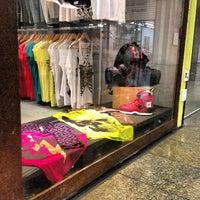 Foto tirada no(a) Shopping 5ª Avenida por Alexandre S. em 5/4/2013