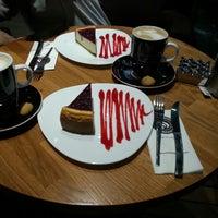 10/12/2013 tarihinde Aaaaaaaaaaa A.ziyaretçi tarafından Coffeeshop Company'de çekilen fotoğraf