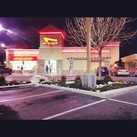 Photo taken at In-N-Out Burger by Eduardo B. on 12/25/2012