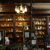 Photo taken at New Orleans Pharmacy Museum by gou t. on 5/18/2015