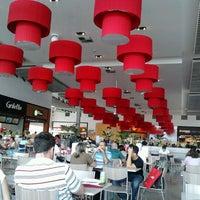 Das Foto wurde bei Outlet Premium Brasília von Fátima D. am 11/16/2012 aufgenommen