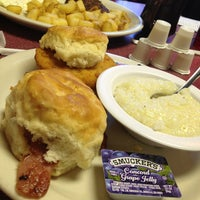 Photo taken at Nashville Biscuit House by Kellie on 3/3/2013