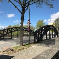 Photo taken at Zweite Ausschläger Brücke by Lars on 4/30/2017