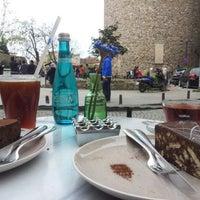 4/14/2013 tarihinde Ece T.ziyaretçi tarafından Lavazza'de çekilen fotoğraf