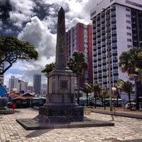 Das Foto wurde bei Praça de Boa Viagem von Alessandro S. am 5/14/2013 aufgenommen