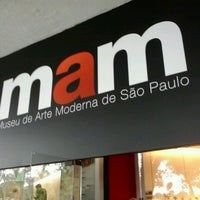 Das Foto wurde bei Museu de Arte Moderna de São Paulo (MAM-SP) von víctor a. am 4/14/2013 aufgenommen