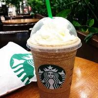รูปภาพถ่ายที่ Starbucks โดย Jeniffer E. เมื่อ 5/23/2017