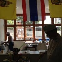 Foto tirada no(a) Bryan Parsley Thai Cuisine por Glaura em 10/6/2012
