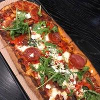 12/22/2017 tarihinde Keilon L.ziyaretçi tarafından &pizza'de çekilen fotoğraf