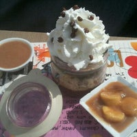 Photo taken at Max Brenner by Sun G. on 4/30/2011