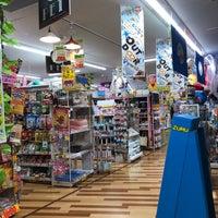 Foto tirada no(a) ドン・キホーテ 世田谷若林店 por Shoko N. em 5/13/2018