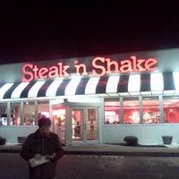 Photo taken at Steak 'n Shake by Acru F. on 11/7/2012