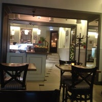 Foto tomada en Romeo's Bar & Kitchen por Natalia el 1/9/2013