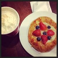 Снимок сделан в Starbucks пользователем Ulia ?. 1/16/2013