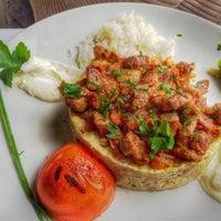1/30/2016 tarihinde Daniel S.ziyaretçi tarafından Restaurant Tuğra'de çekilen fotoğraf