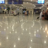 Photo taken at Prince Mohammad Bin Abdulaziz International Airport (MED) by Rania on 2/20/2013