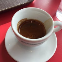 Photo taken at espressamente illy coffee bar by Emad on 3/12/2016
