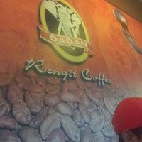 Photo taken at Rengit Coffee by pâpõ on 12/23/2016