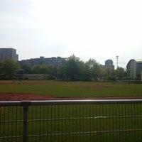 Das Foto wurde bei Berlin Sluggers Stadion von alex d. am 5/11/2013 aufgenommen
