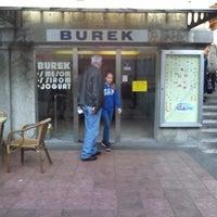 """Das Foto wurde bei """"Burek"""" Dolac von pliketi p. am 11/1/2013 aufgenommen"""