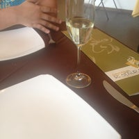 Photo taken at Universum Restaurante Gourmet by Luu on 3/14/2014