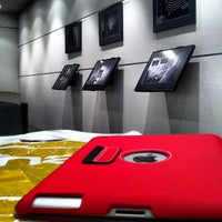 Foto tirada no(a) Fnac por CAssis em 12/9/2012