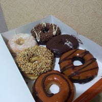 Photo taken at Dunkin' Donuts by Simih on 3/24/2015