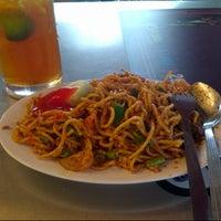 Photo taken at Restoran Habib by Azizan M. on 2/12/2013