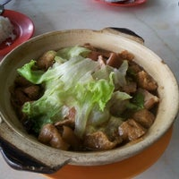 Photo taken at Restaurant Chuan Chiew Bak Kut Teh by YCKang on 11/14/2012