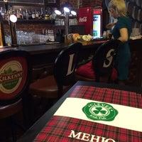 Снимок сделан в Clever Irish Pub пользователем Yury S. 12/30/2013