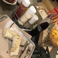 12/16/2017 tarihinde Yeşim U.ziyaretçi tarafından Chef Döner'de çekilen fotoğraf