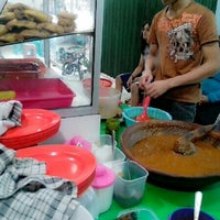 Photo taken at Warung Makan Pecel Lele Jatikramat by Adnan C. on 7/8/2013