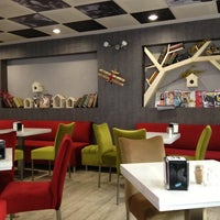 Foto tirada no(a) Koru Cafe & Restaurant por burcu y. em 11/23/2012