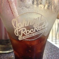 Photo taken at Johnny Rockets by Jesse G. on 11/11/2012
