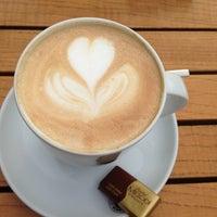 Das Foto wurde bei Coffeemania von Meltem Y. am 5/17/2013 aufgenommen