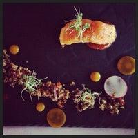 Photo prise au Restaurant Poivre Noir par Stephanie le4/21/2013