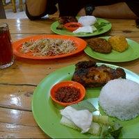 Photo taken at Ayam Bakar Mas Mono by echapooh on 10/26/2012