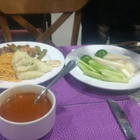 Photo taken at Restaurante Liverpool by Nipper L. on 11/4/2017