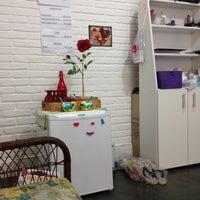 Photo taken at Paula Roveroni - Design De Sobrancelhas by Gabriela B. on 11/5/2013