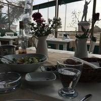 2/14/2015 tarihinde ASLIziyaretçi tarafından Yengeç Restaurant & Otel'de çekilen fotoğraf