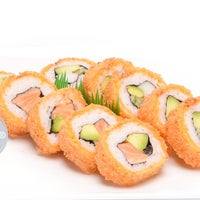 Das Foto wurde bei hello sushi von almifood am 11/3/2016 aufgenommen