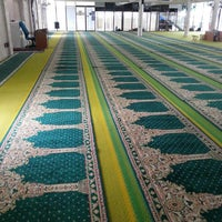 Photo taken at Masjid Al-Mujahideen by Abdul Razak S. on 7/13/2013