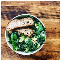 Photo taken at sweetgreen by Gilles D. on 5/10/2017
