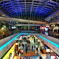 Photo taken at Centro Comercial Vasco da Gama by Sufiano on 1/11/2013
