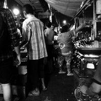Photo taken at Nasi Goreng Babi Papilon by Antonius Y. on 5/14/2016