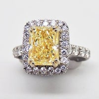 Photo taken at Luckey's Jewelers by Luckey's Jewelers on 8/11/2016