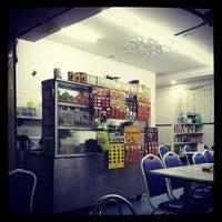 Photo taken at Restoran Ameeth by Basel H. on 5/23/2013