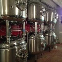 รูปภาพถ่ายที่ DryHop Brewers โดย Brad C. เมื่อ 3/13/2013